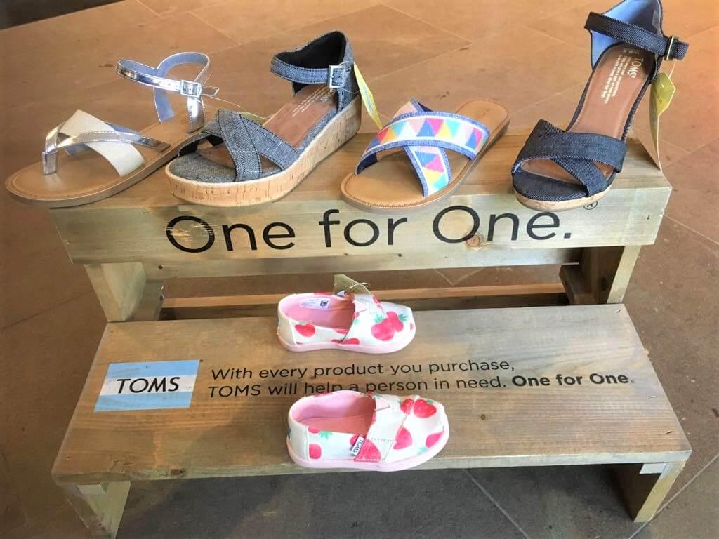 Die Marke hält ein großes Angebot an Schuhen für Herren, Damen und Kinder bereit.