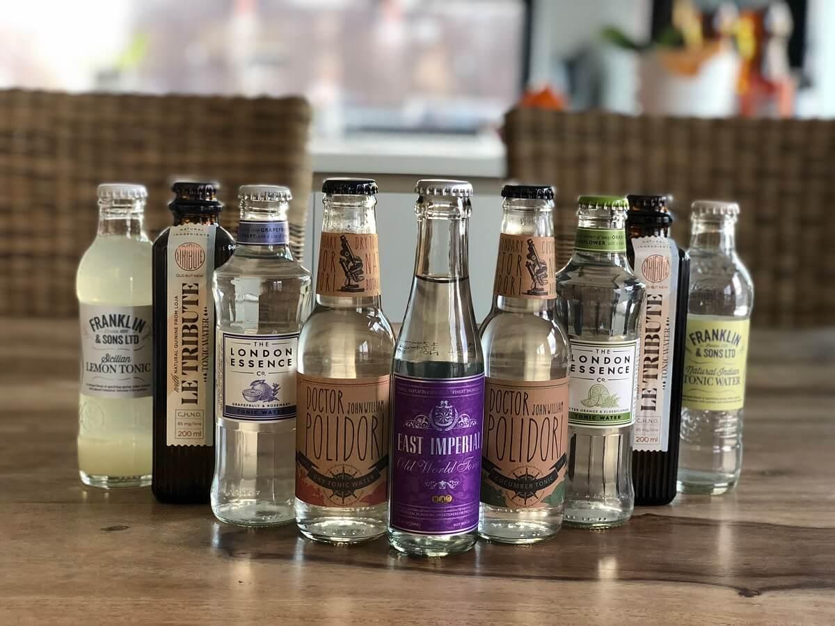 Tonic Water ist ein chininhaltiges, farbloses, mit Kohlensäure versetztes Erfrischungsgetränk